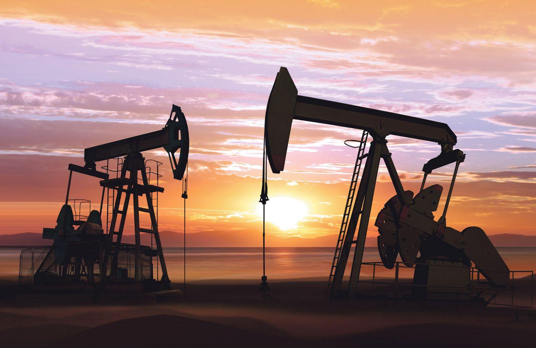 Zwei Tiefpumpen bei der Erdölgewinnung