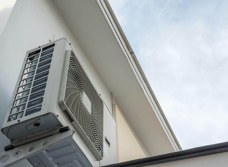 Luft-Kompressor-Einheit einer Wärmepumpenheizung
